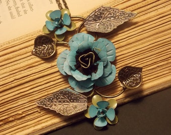 Metal Rose Statement Necklace