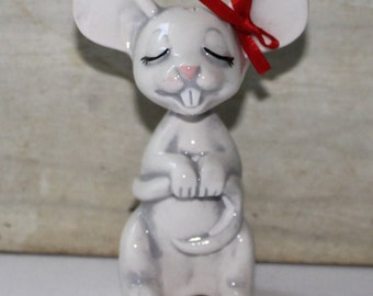 Vintage Porcelain Mouse Holding Tail Figurine - Kitsch - Collectibles - Home Decor - Grey - Red Bow