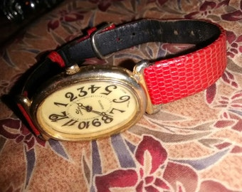 Cenere Red Leather Band Watch   Vintage Treasure