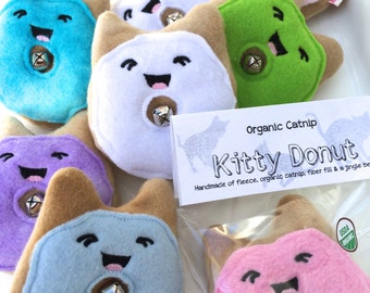Kitty Donut - Organic Catnip Cat Toy- Jingle Cat Toy- Kawaii Toy