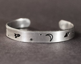 Space Bracelet, Spaceship Moon Planet and Star Jewelry, NASA gift, Astronaut Saturn Rocket Bracelet, Spacecraft Sci fi Science Astronomer
