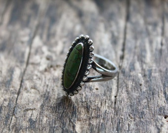 Vintage Navajo Sterling Silver and Green Turquoise Native American Oval Ring US Size 7.5