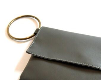 Grey Wristlet, Minimal Handbag, Vegan Wallet, Clutch Purse, Grey Wristlet, Faux Leather Purse, Envelope Purse