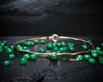 Colombian Emerald Bangle / May Birthstone Jewelry Gift for Wife, Mom / Delicate Gemstone Hook Bangle / Genuine Green Emerald Bracelet