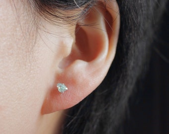 Apatite earrings,blue apatite,raw apatite earrings,sterling silver healing crystal earrings,raw stone earrings,Tiny stud earrings,3mm studs