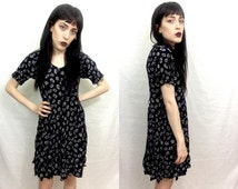 Vtg 90's Black and White Dandelion Pattern Short Sleeve Babydoll Grunge Dress SZ Small - XS Women's Mini Dress