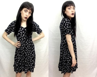 Vtg 90's Black and White Dandelion Pattern Short Sleeve Babydoll Grunge Dress SZ Small - XS Women's Mini Dress