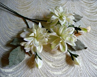 Vintage Silk Flowers White with Lime Dahlias NOS Bunch of 3 with Buds Leaves for Hats Head Bands Hair Clips Wedding Crowns Crafts 4FV0185G
