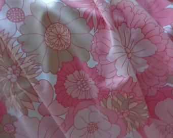 Funky 1970's Floral Sheet