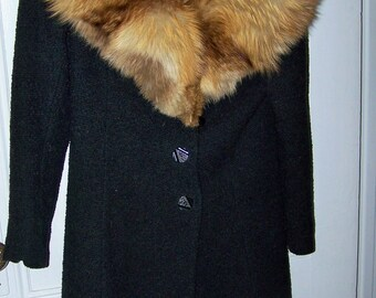 Mid Century Vintage Ladies Black Wool Coat with Luxurious Fur Collar