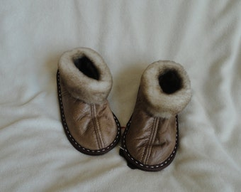 Sheepskin slippers (kids sizes)