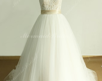Romantic A line tulle lace wedding dress with sweetheart neckline and champagne lining
