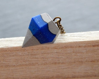 Necklace with Pendant in diamond shape in concrete (cement) and resin in Blue
