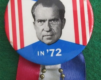 Original 1972 Re-Elect Nixon Presidential Campaign Pin Back Button With Ribbon - Free Shipping