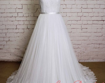Soft Tulle Skirt Wedding Gown with Bateau Lace Neck Ivory A-line Bridal Gown with Lace edging
