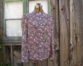 Pretty Vintage Blouse//Calico//Chintz//Black and Pink//Prairie Blouse