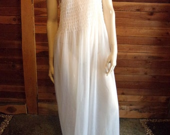 Vintage Lingerie 1970s INTIME CALIFORNIA White Double Chiffon Nightgown Small