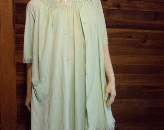 Vintage Lingerie  SHADOWLINE Green Size Small Nightgown and Robe Set