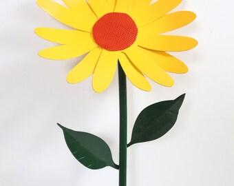 Custom Color Metal Thick Daisy Yard Stake / Garden Decor