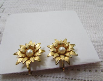 Vintage estate dainty pearl flowers 60's  clip on earrings prom, wedding bridal