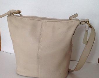 Vintage Coach  Bucket Cross body/Shoulder Bag tote - #4141, Off White