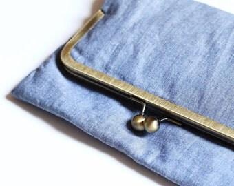"Pocket hand ""Lilac"" - blue fabric - clasp metal retro chic"