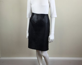 soft black leather pencil skirt w/ elastic triangle details 90s