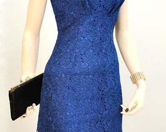 Vintage 1960s cobalt blue lace shift dress