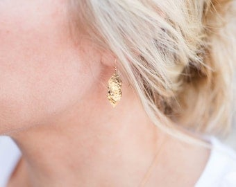 Delicate Gold Earrings // Gold Hammered Art Deco Link Earrings // Gold Filled Earrings // Everyday Gold Earrings