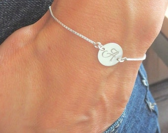 Initial bracelet Silver disc bracelet Personalized jewelry Letter bracelet hand stamped jewelry Personalized bracelet Initial disc jewelry