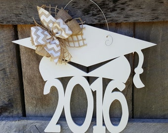 2016 Graduation Door Hanger - Painted Graduate Wreath - Graduation Party Decor