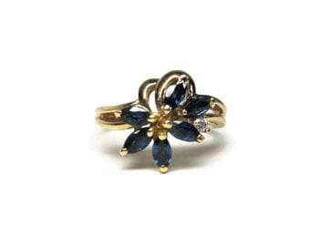 Vintage 14K Yellow Gold .60 Ctw Marquise Sapphire Diamond Cluster Ring Size 6