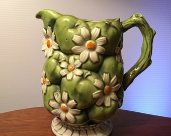 Vintage 1967 Inarco pitcher green apples and white daisies from Japan