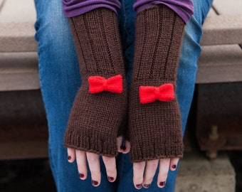 Doctor Who Knit Fingerless Mitts: The Doctor