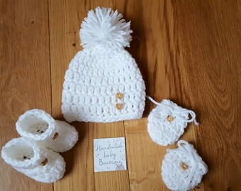 Going home outfit - Crochet Baby Booties - Baby Booties - Baby Set - Baby Due September Baby Shower Gift - Baby Hat Booties -unisex baby set