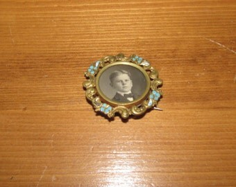 Vintage Womens Jewelry Brooch Pin with early 1900's picture