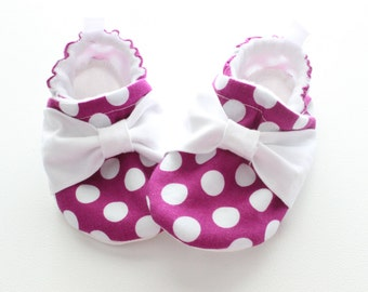 purple polka dots with bows - Soft Sole Baby Shoes, Booties - great gift idea!