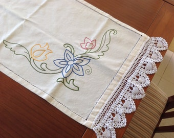 Embroidered long mat, table mat, Mallorcan embroidery