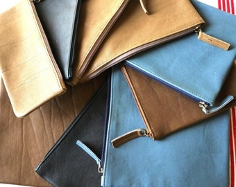 Zipper pouch in leather for pens, make up, pencil bag and much more