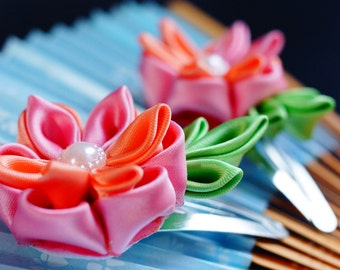 Set of two cute Kanzashi hair clips - Pink and Peach