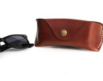 Glasses case  for Wayfarers Clubmasters Sunglasses case Veg tan leather Antique Brown Handmade by Celyfos®