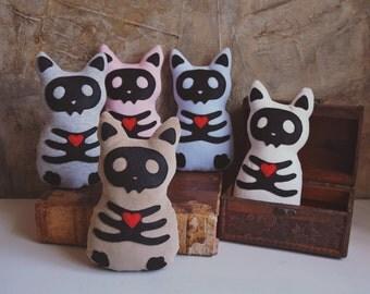 Cutest skull cat plush. Gothic, creepy kitten soft toy. Ecofriendly, babysafe. Pink, blue, cream, gray, beige. Halloween