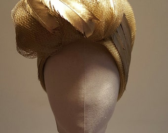 Gold Turban in tulle with feathers hand-painted