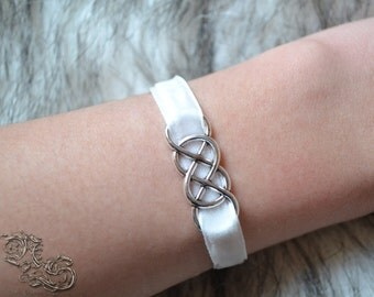 "Bracelet ""White Silver"""
