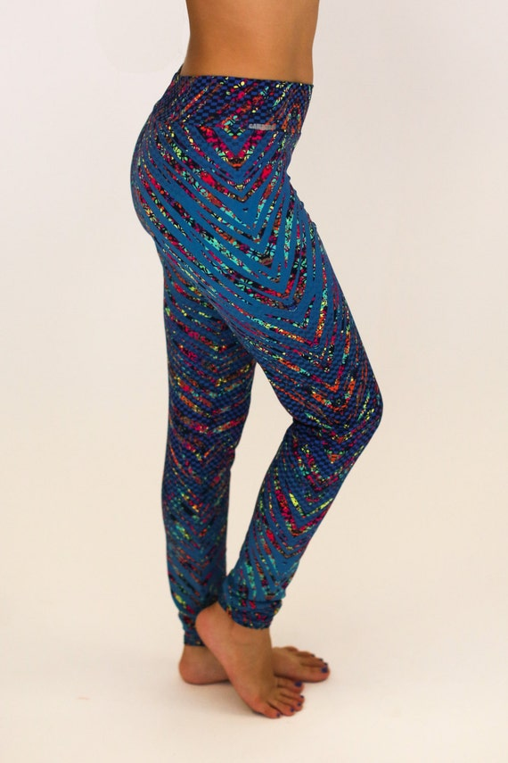 Crazy Pants offers a wide variety of printed spandex and compression shorts in all sizes. Crazy Pants can be worn for all sports, such as volleyball, dance, gymnastics, body building and exercising. They also work great under homecoming and prom dressed, school uniforms and just as pajamas.