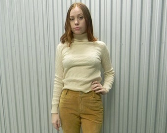 1990's Creme off White Cashmere Turtleneck