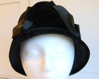 1940s Black Satin and Velvet Cloche Hat,  1940s Black Cloche Hat  Made in the USA  Union Made