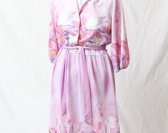 Adorable Vintage 1970s Purple Hawaiian Flower Pleated Skirt Dress With Belt Size 8/10