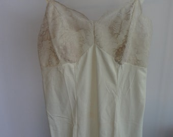 Beautiful cream and lace vintage slip