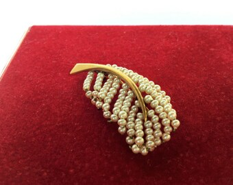 1950 vintage gold and pearl brooche feather, vintage jewels, 1950 1950 vintage jewels, feather cocktail jewels-gold and Pearl Brooch
